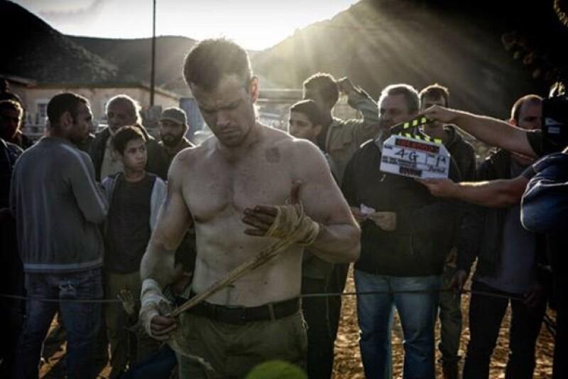 El actor impresionó con su six pack con el que demuestra que se encuentra en buena forma para interpretar al arriesgado y sexy Mr. Bourne.