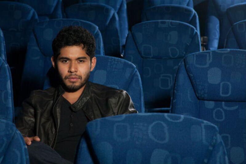 """Tiene 20 años y este actor ya puede presumir haber trabajado con reconocidos directores, nominaciones al Ariel y viajes a importantes festivales de cine. Ahora estrena """"600 Millas"""", su nueva cinta."""