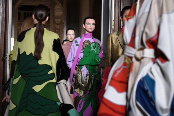 Valentino : Runway - Paris Fashion Week - Haute Couture Fall Winter 2018/2019