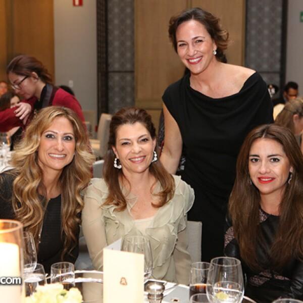 Pixie Devlyn,Fernanda Suárez,Mariana Baños y Esmeralda Cabeza de Vaca