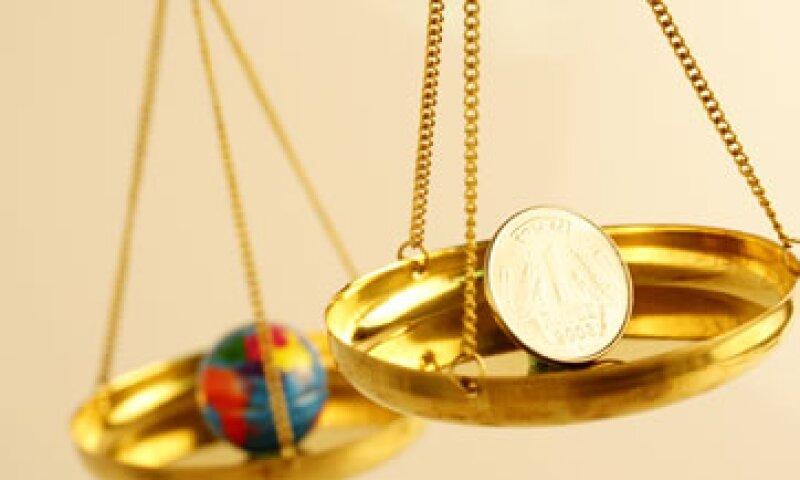 El aumento en la riqueza en EU se debe a la recuperación en los precios de viviendas, dijo el banco. (Foto: Getty Images)