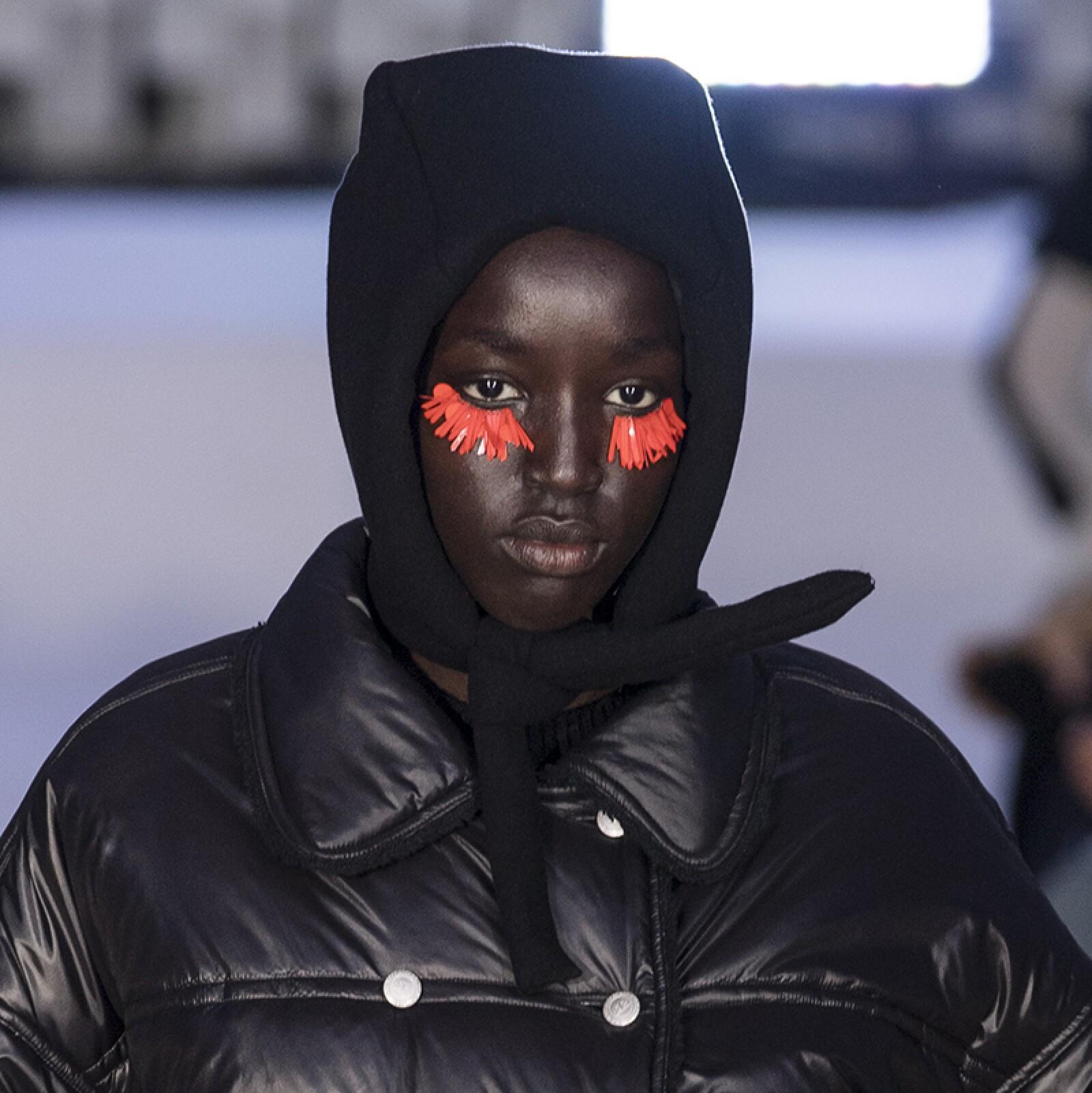 PFW-Paris-Fashion-Week-Runway-Pasarela-Beauty-Look-Belleza-Courreges