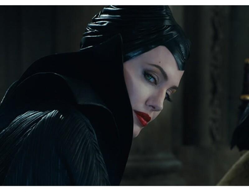 ¿Quieres saber cómo lograron transformar a la actriz en la villana más sexy? Descúbrelo, aquí una entrevista con Toni G, makeup artist de la película Maleficent.