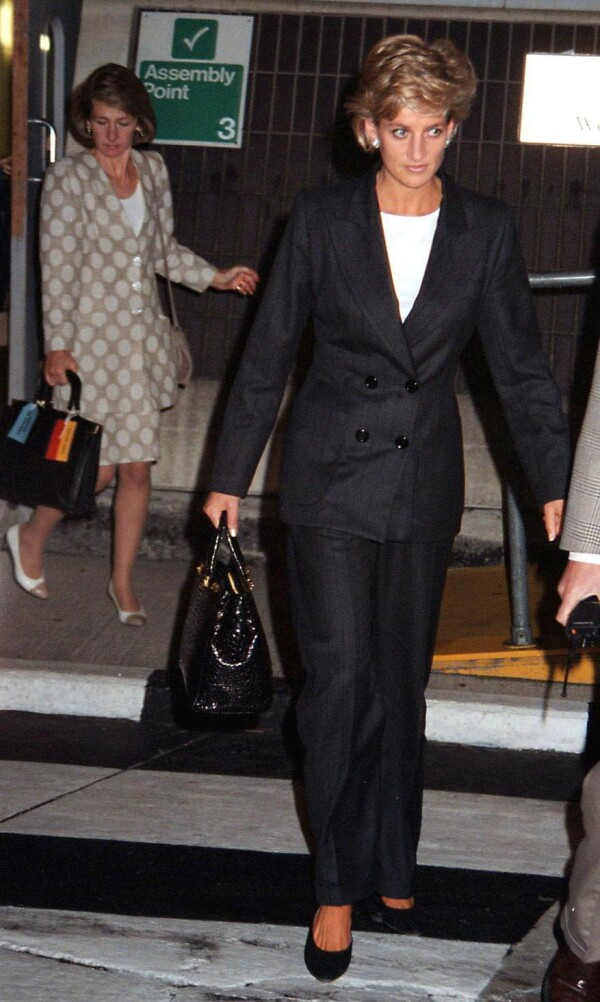 PRINCESS DIANA AT HEATHROW AIRPORT, LONDON, BRITAIN - 1996