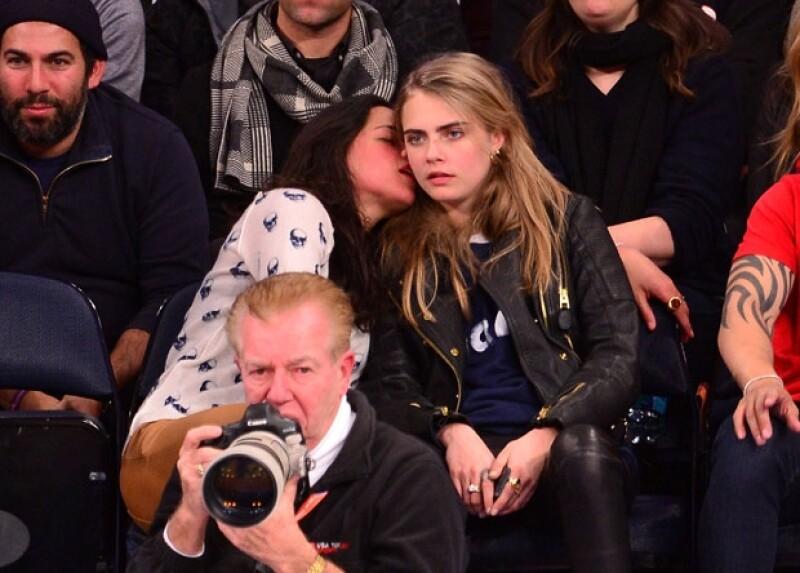 Cara y Michelle tuvieron asientos VIP en el Madison Square Garden.