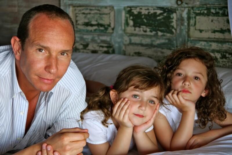 Erick Rubín aprende todos los días de sus pequeñas hijas.