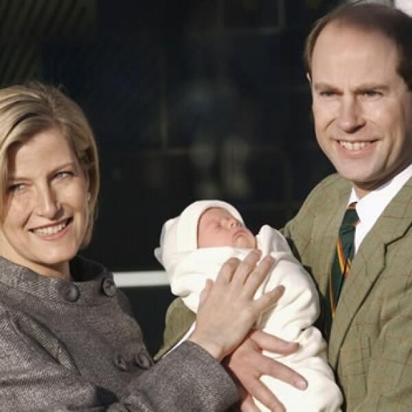 principe eduarco y su esposa presentan a su segundo hijo el severn