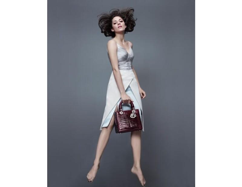 La actriz lució guapísima en la campaña fotografiada por Jean-Baptiste Mondino.