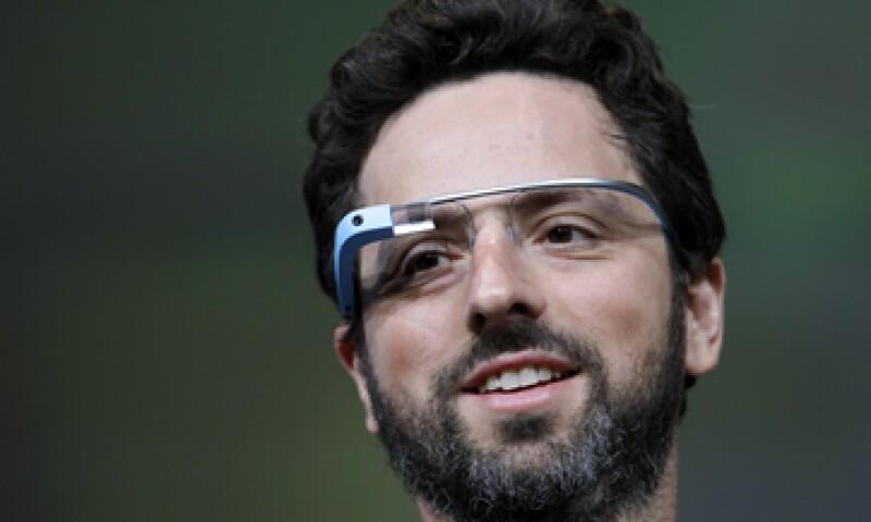 Se supone que los Google Glass hacen las mismas tareas que los teléfonos multiusos. (Foto: AP)