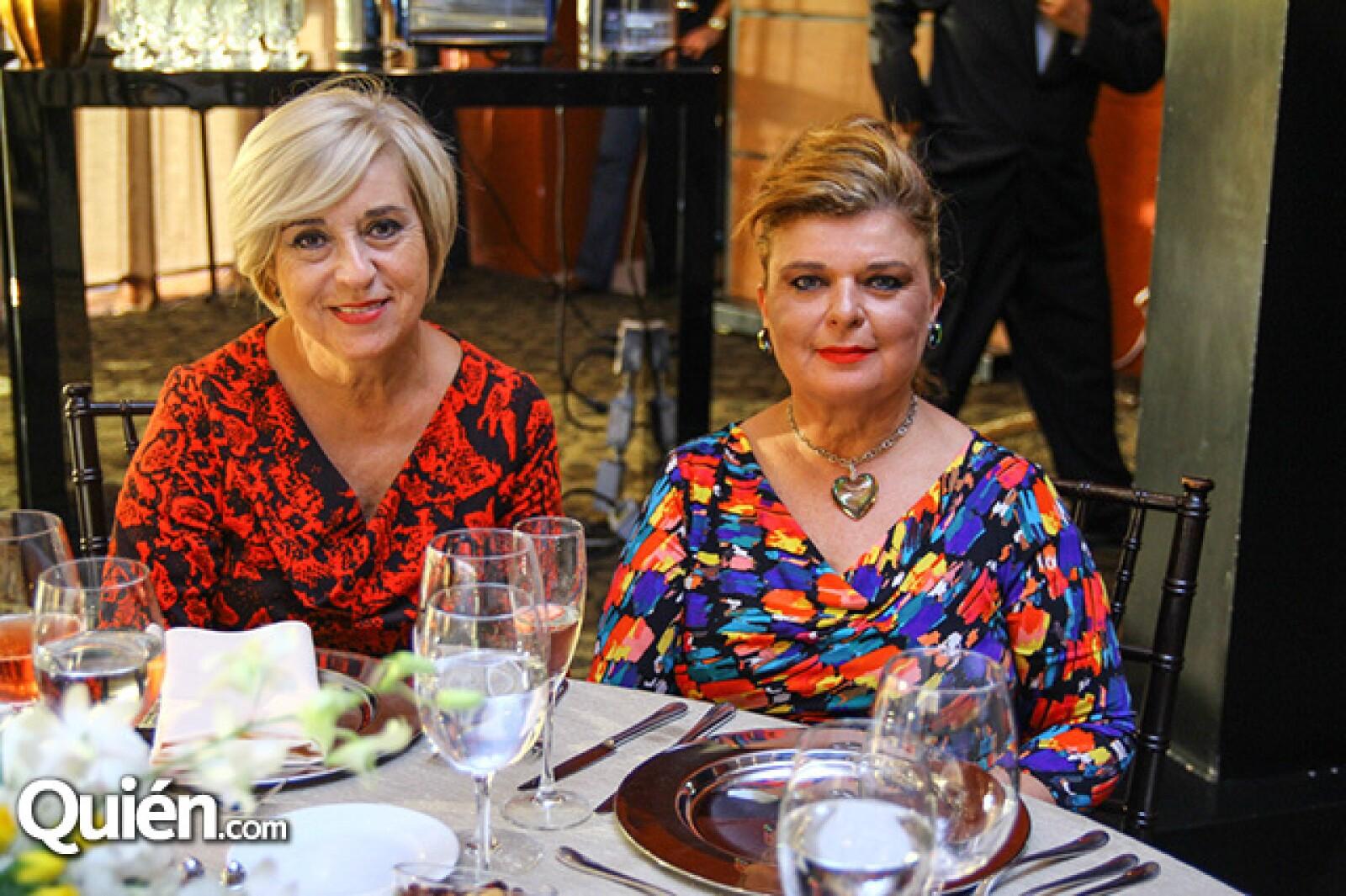 Milagros Saro y María Esthela de Gutiérrez