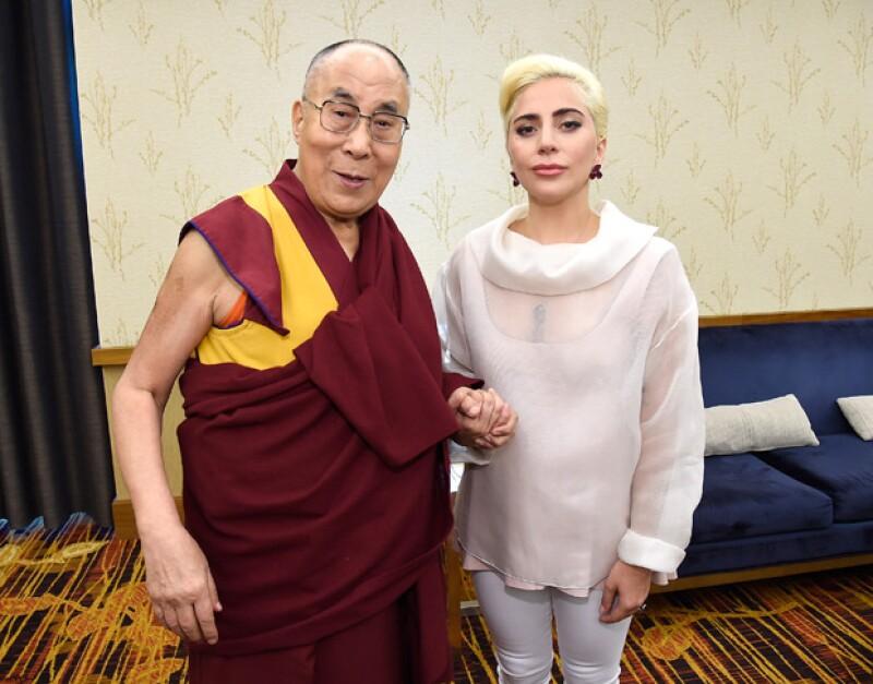El encuentro entre Lady Gaga y el Dalái Lama se realizó en Indianápolis.