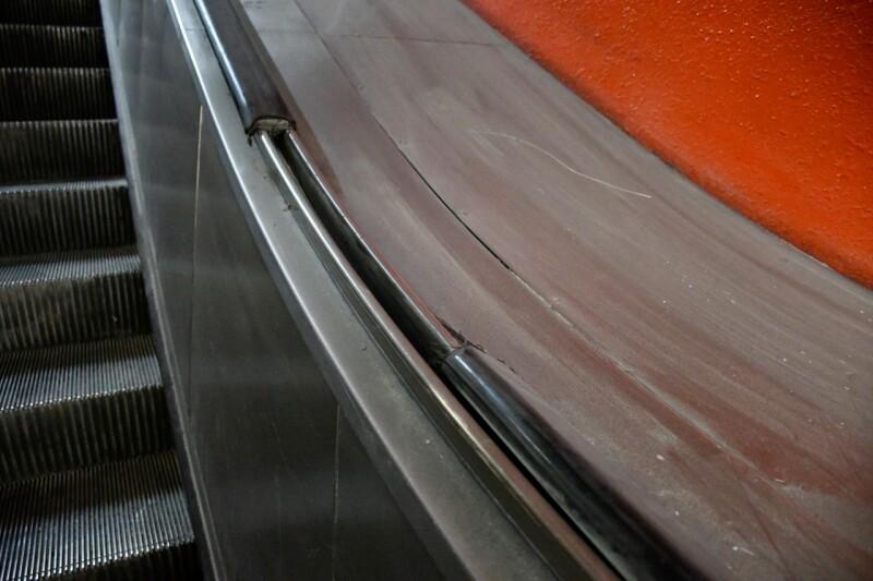 Pasamanos cortado en Constituyentes, Línea 7; fuera de servicio desde el 17 de diciembre de 2019. Foto: Metro CDMX