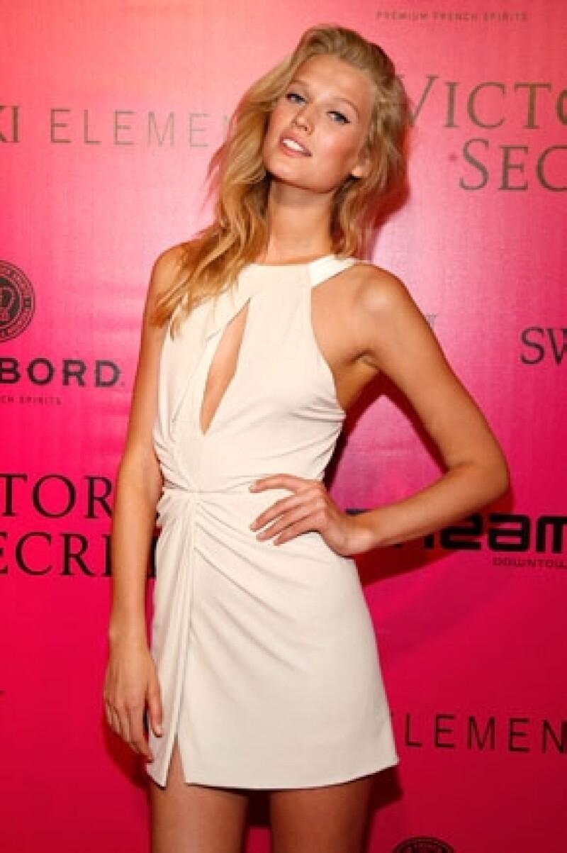 Toni Garn es una de las modelos que desfilan en el tradicional desfile de la marca de lencería.