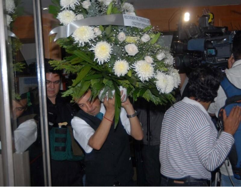 Capulina fue despedido entre aplausos de sus familiares y amigos.