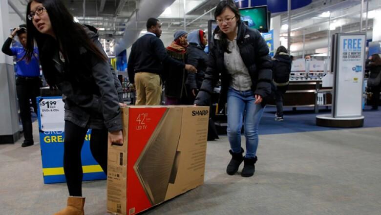 Los productos tecnológicos son la estrella del día de mayor consumo del año en EU, y en el que televisores, ordenadores y videoconsolas pueden encontrarse con descuentos de hasta el 50%.