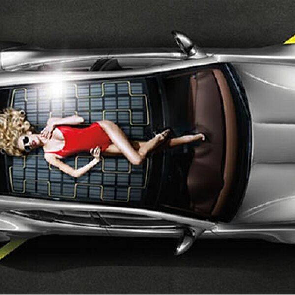 El Fisker Karma es una creación del célebre diseñador Henrik Fisker, conocido por ser la pluma responsable en deportivos tan emblemáticos de los últimos tiempos como: el Aston Martin V8 Vantage o el BMW Z8.