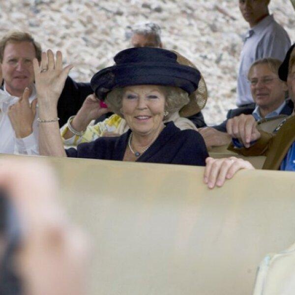 La reina Beatriz y los príncipes Willem-Alexander y Máxima visitaron ayer Teotihuacan.