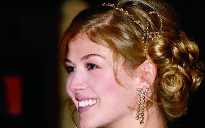 Lucir diamantes en el peinado es un lujo que pocos se pueden dar.