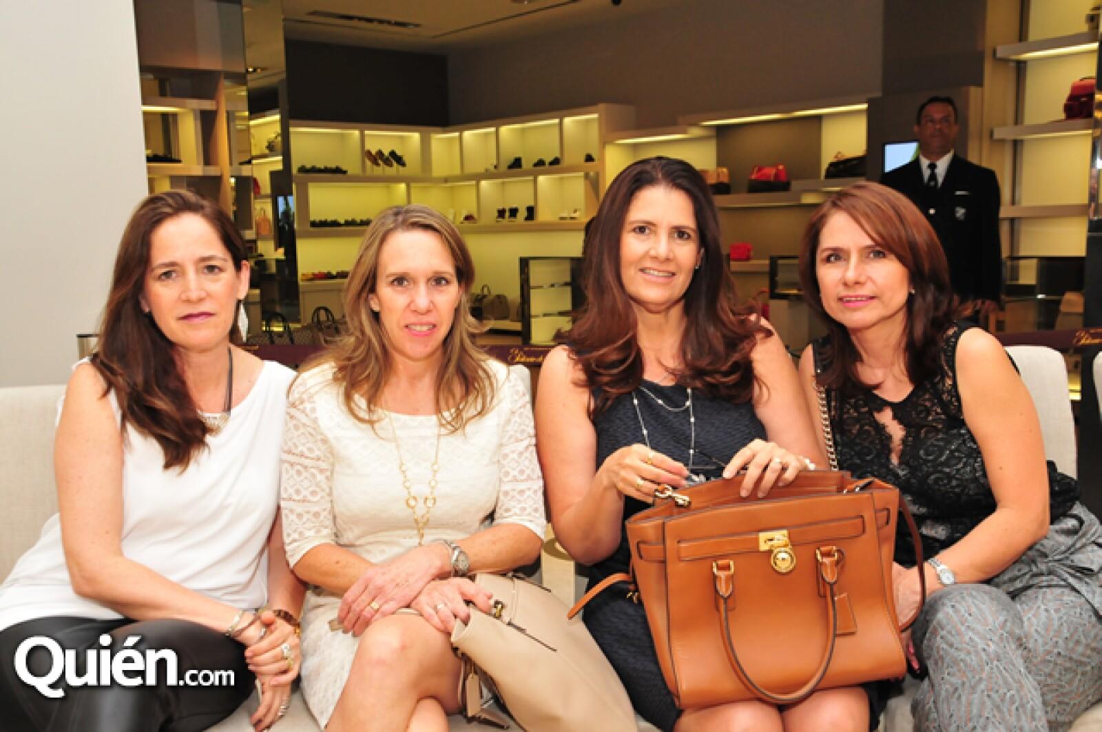 Ana María García,Monica Sánchez,Mónica Garcia y Elsy de Engalanda