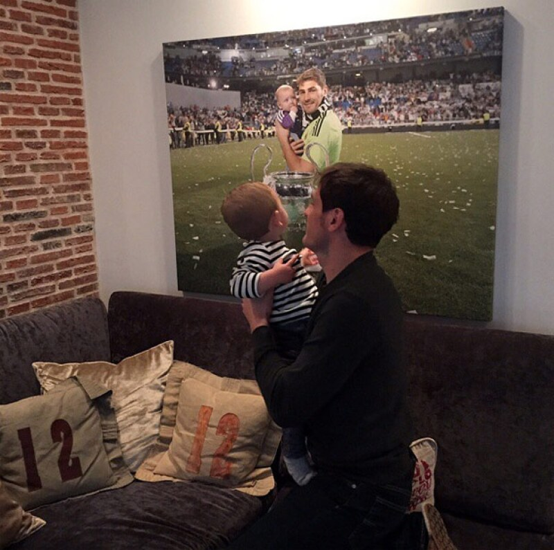 El futbolista tiene en sus redes sociales esta tierna fotografía junto a su hijo Martín.
