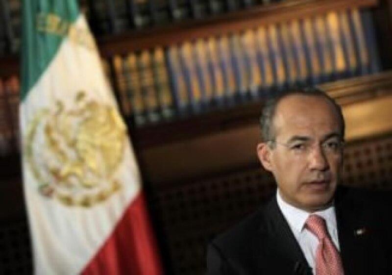 Calderón buscará en algún momento de lo que resta de su sexenio proponer más impuestos al consumo. (Foto: Reuters)