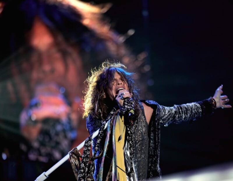 La banda estadounidense se presentó la noche de ayer en la Ciudad de México, en donde deleitó a más de 40 mil espectadores.