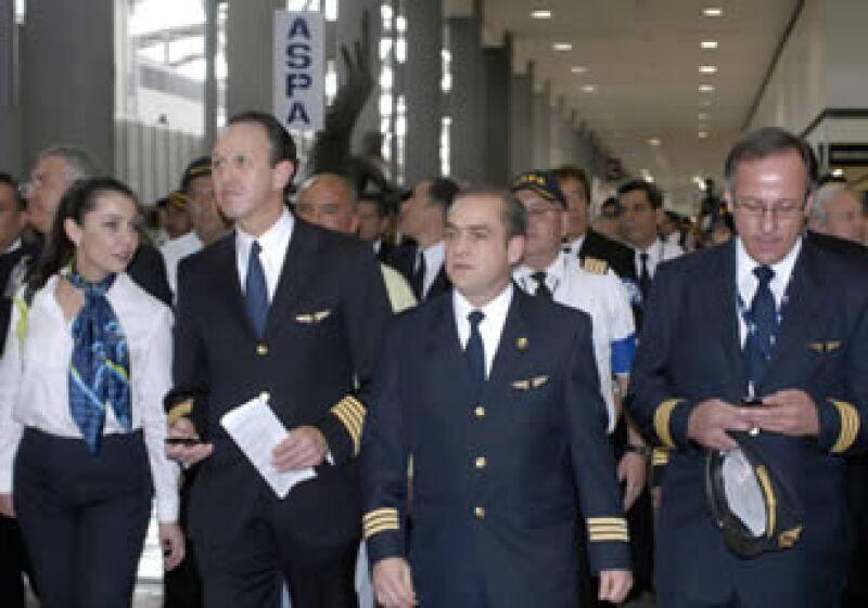 El AICM aclaró que la aerolínea podrá seguir operando con normalidad, ya que su deuda no es significativa. (Foto: Notimex)