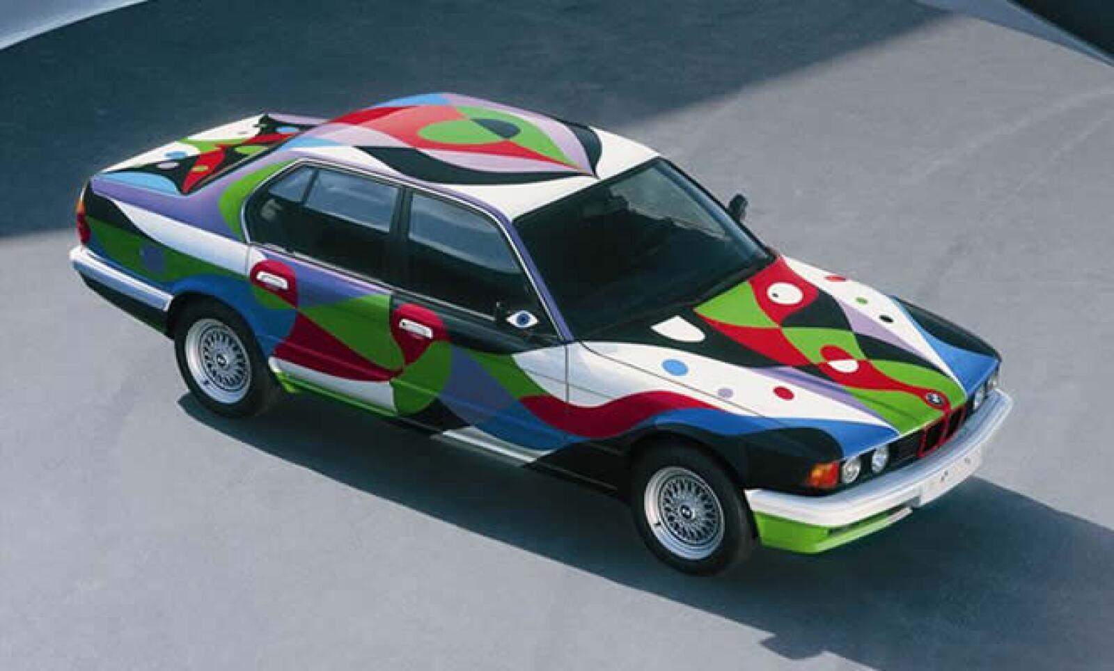 La historia comienza en 1975 cuando Hervé Poulain le encargando a Alexander Calder la 'pintura' de su BMW 3.0 CLS, con el que competiría en las míticas 24 Horas de Le Mans.