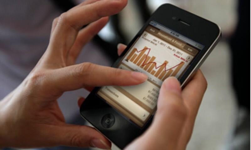 Los trabadores pueden hacer aportaciones voluntarias a su Afore a través de una nueva app.   (Foto: Especial)