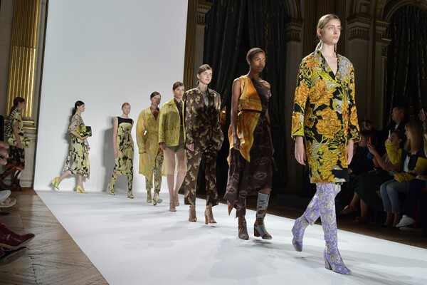 Dries Van Noten show, Runway, Spring Summer 2018, Paris Fashion Week, France - 27 Sep 2017