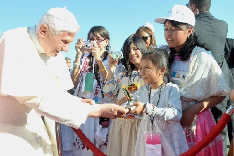 En marzo de 2012 nuestro país recibió con los brazos abiertos a Joseph Ratzinger. Su mensaje de paz y esperanza fue calidamente recibido, pese a la sombra que significaba Juan Pablo II