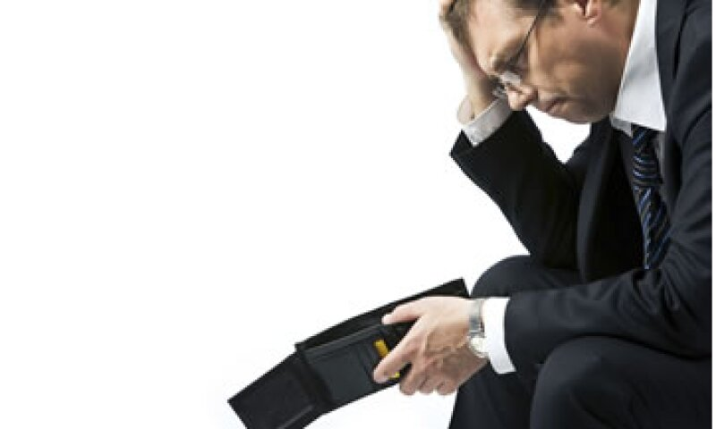 Contar con un ahorro de emergencia te permite mantener tu nivel de vida mientras encuentras un nuevo empleo. (Foto: Thinkstock)