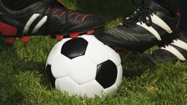 La prioridad inmediata de los clubes de futbol mexicanos para mejorar el torneo de Primera División es generar una marca, no perfeccionar y hacer más atractivo el juego en la cancha. (Foto: Thinkstock)