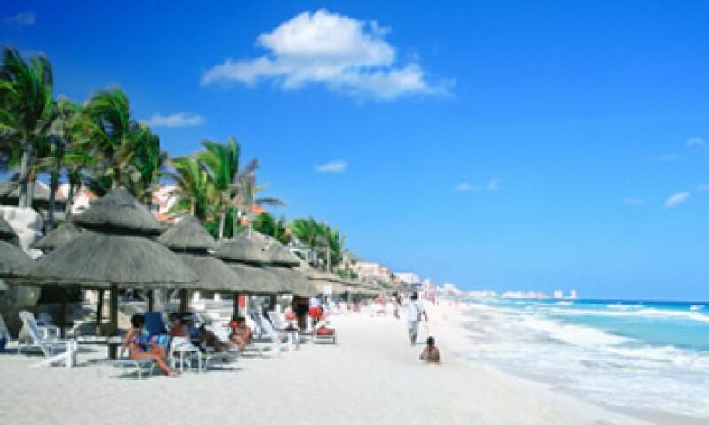 Otros sitios de playa preferidos por los turistas son Puerto Vallarta, Ixtapa-Zihuatanejo y Huatulco.   (Foto: Getty Images)