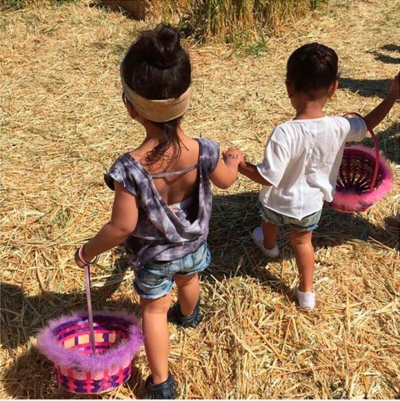 De manera anticipada a la celebración de Pascua, la socialité llevó a su hija y a una amiga a una granja donde se divirtieron buscando los tradicionales huevos.
