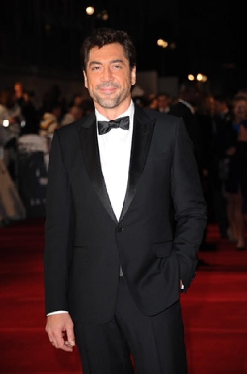 El actor español se incomodó cuando un reportero le comenzó a hacer preguntas sobre su vida personal.