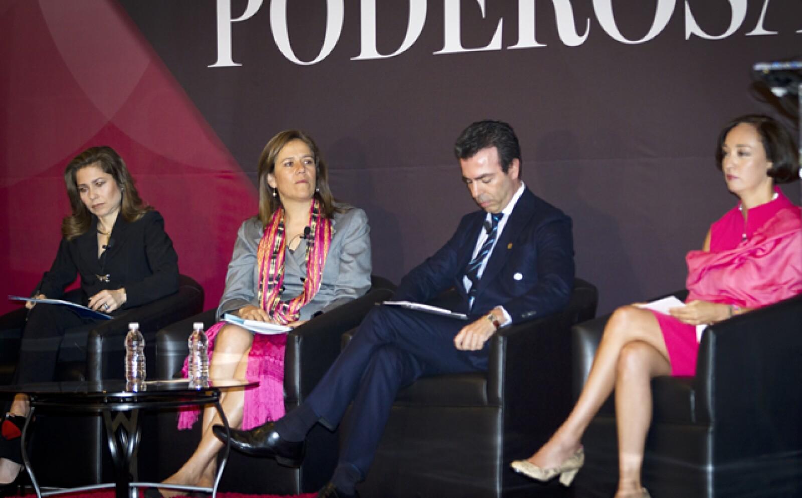 El panel La empresa como generadora de mujeres poderosas contó con la participación de Margarita Zavala, primera dama; Gabriela Hernández, presidenta de GE; Sandra Sánchez, presidenta de Amgen, y Alejandro Ramírez, director general de Cinépolis.