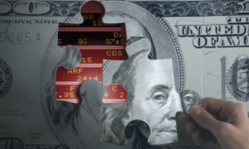 El dólar se ofrece en un mínimo de 12.84 pesos en bancos capitalinos. (Foto: Thinkstock)