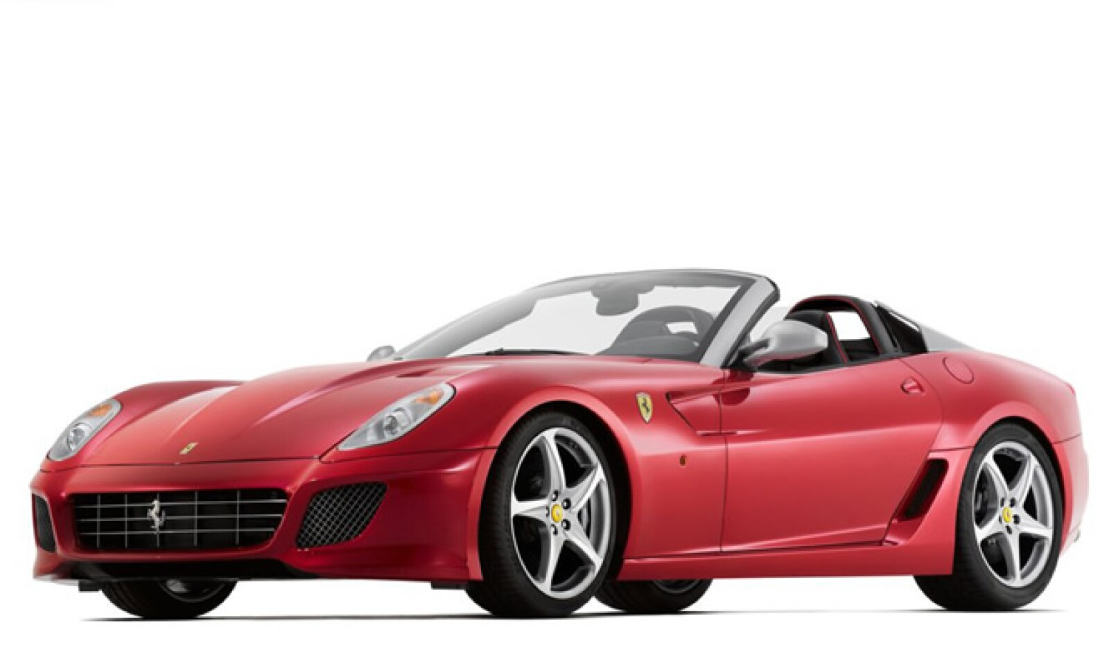 Este vehículo esta diseñado para celebrar el 80 aniversario de la relación entre la firma y el diseñador italiano Sergio Andrea Pininfarina. Solamente fueron creados 100 y 80 ya han sido vendidos, a un precio aproximado de 6.5 millones de pesos.