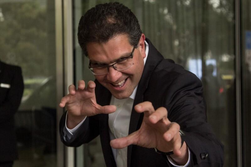 El exaspirante a la presidencia de México, ahora vocero de José Antonio Meade, Armando Ríos Piter obtuvo un amparo para poder consumir mariguana de forma recreativa.
