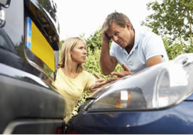 Las aseguradoras cobran una menor prima a las conductoras por considerarlas más precavidas. (Foto: Photos to Go)