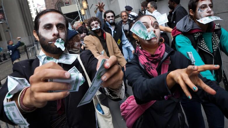 La protesta comenzó con menos de una decena de estudiantes universitarios, pero muy pronto creció hasta replicarse en otras ciudades de Estados Unidos.