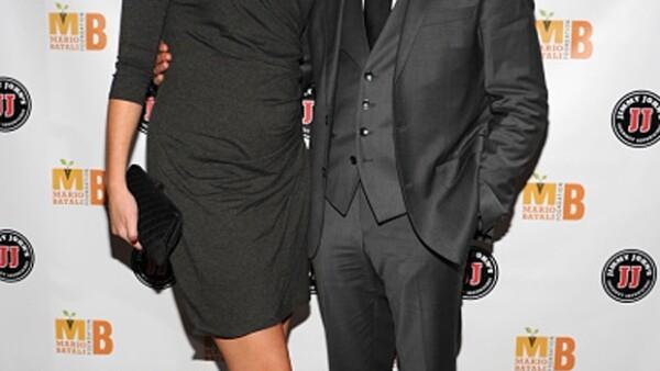 A sus 53 años, el actor de The Hunger Games espera su cuarto hijo luego de dos años de matrimonio con la hermana de Emily Blunt.