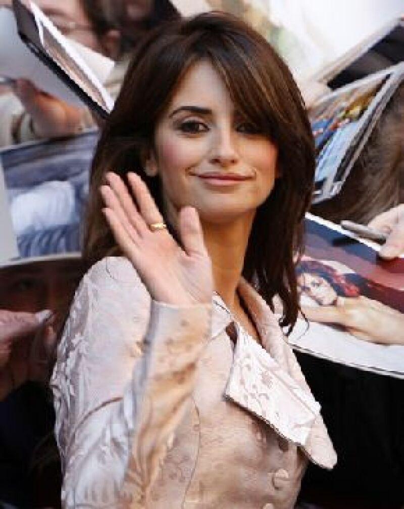La actriz española confesó su fascinación por el cine e incluso dijo que se sueña mucho rodando una película y aunque le gustaría hacerlo realidad, aún no está dentro de sus proyectos.