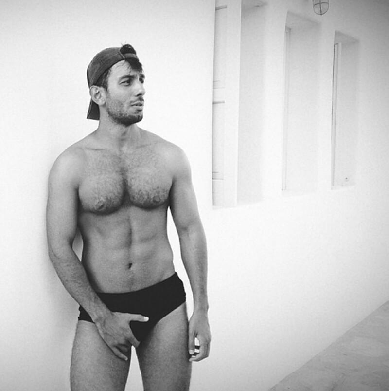 Jwan Yosef acostumbra publicar fotos en su Instagram mostrando su cuerpo.