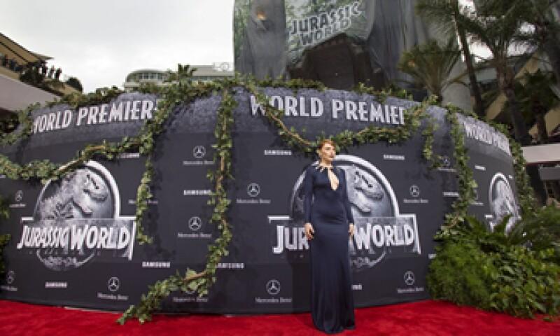 Jurassic World se mantiene como la cinta más taquillera del momento. (Foto: Reuters )