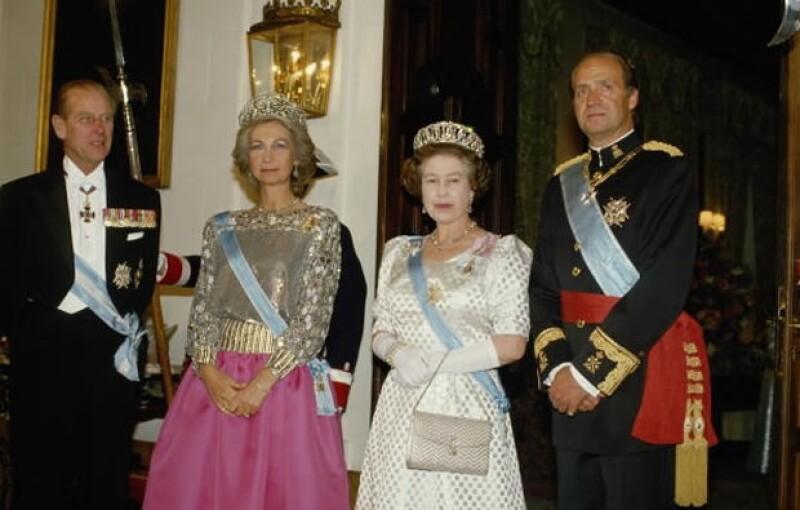 La jerarquía de Isabel II es mayor que la de la Reina Sofía.