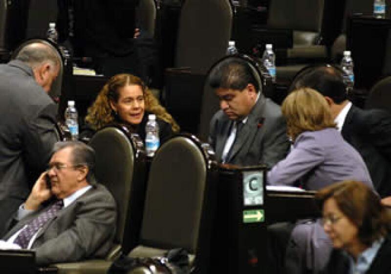 Los diputados tuvieron una extensión de madrugada. (Foto: Notimex)