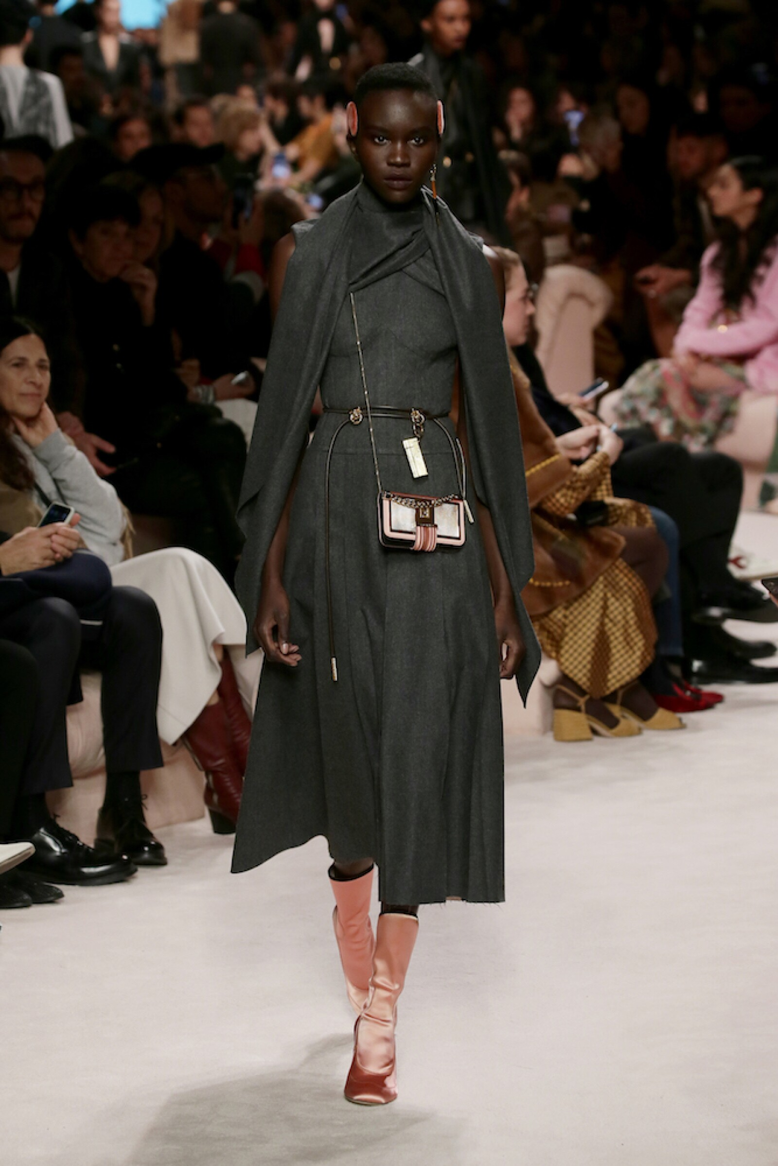 16_FENDI_WOMAN_FW_20_21.JPG