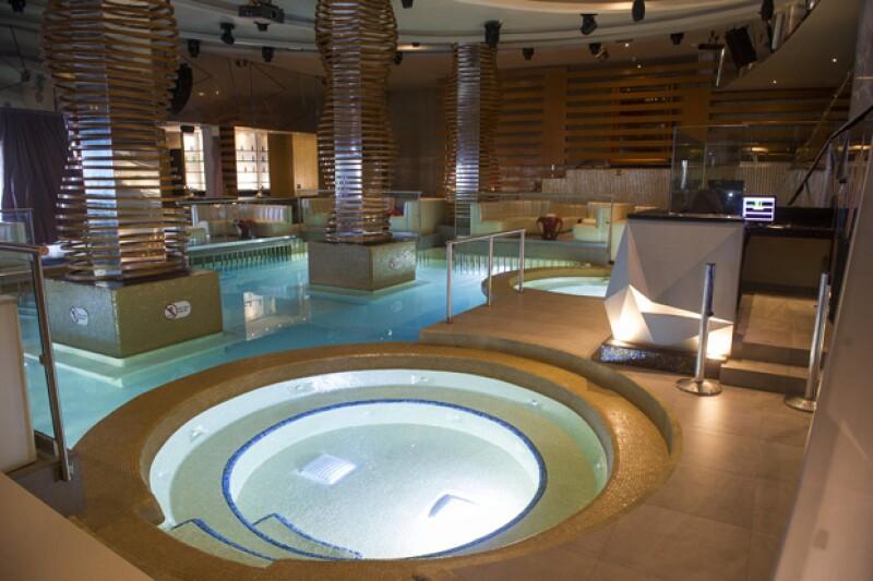 Heaven Club cuenta con su propia piscina.
